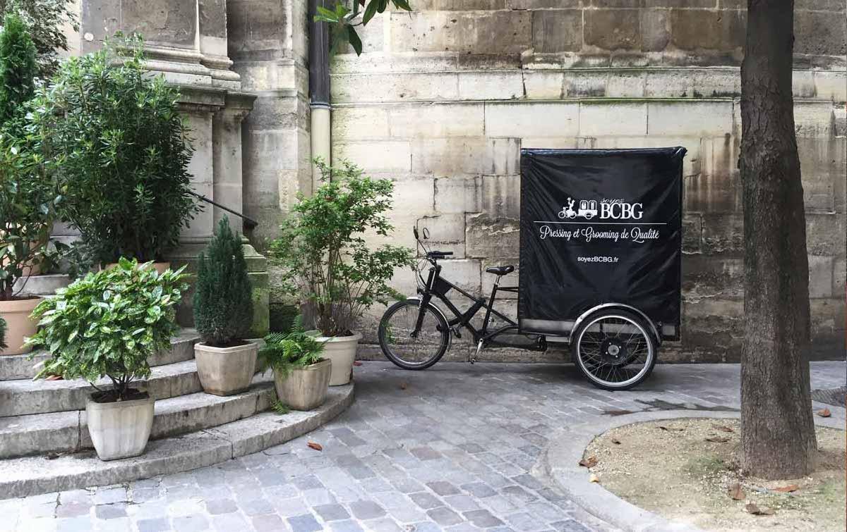 soyezbcbg passe à vélo dans le 75007